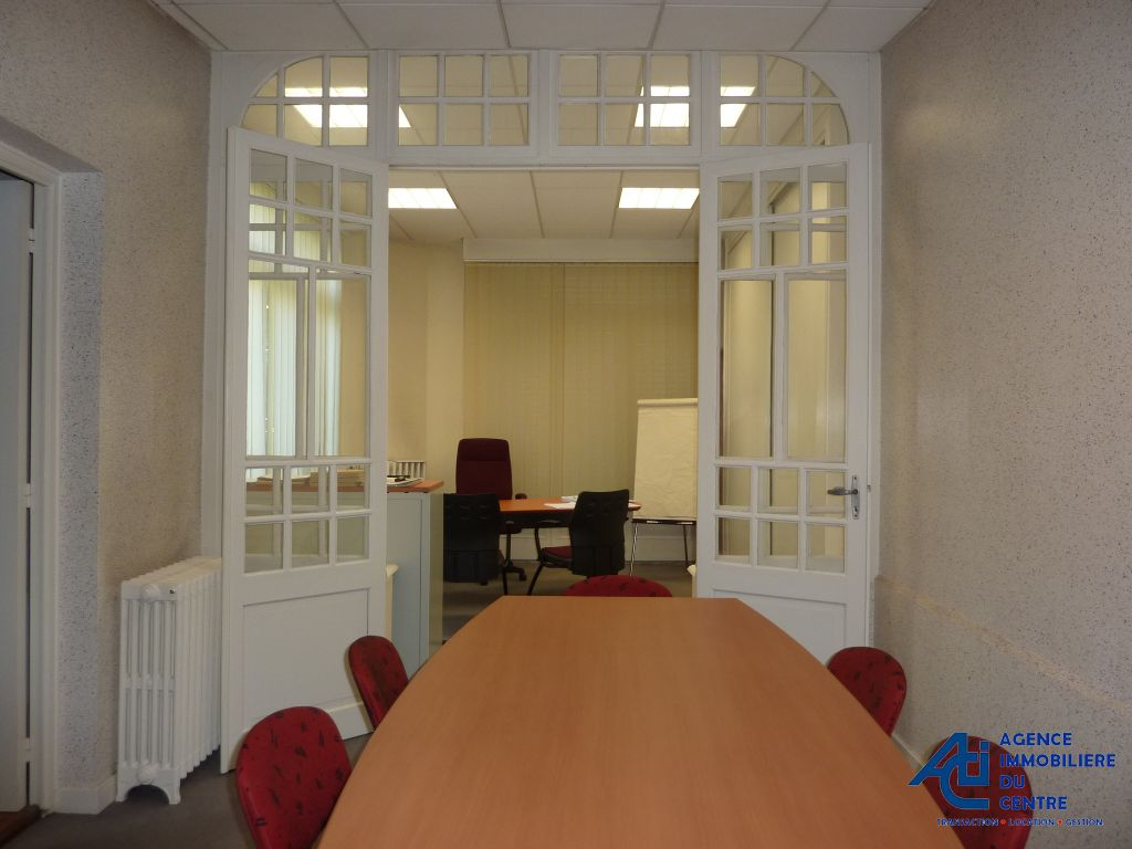 Location local commercial pontivy local commercial a for Bureau 56 pontivy